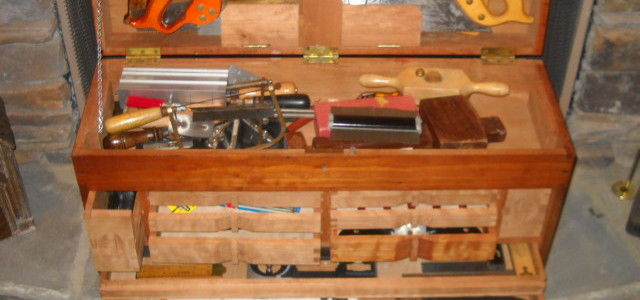 cherry tool box front view open 03